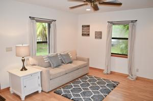 Additional photo for property listing at 3303 Custer Avenue 3303 Custer Avenue Lake Worth, Florida 33467 Vereinigte Staaten