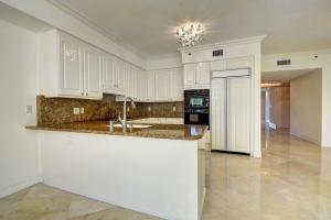 Condominio por un Alquiler en TOSCANA, 3700 S Ocean Boulevard 3700 S Ocean Boulevard Highland Beach, Florida 33487 Estados Unidos