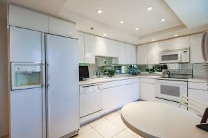 Additional photo for property listing at 7754 Lakeside Boulevard 7754 Lakeside Boulevard Boca Raton, Florida 33434 États-Unis