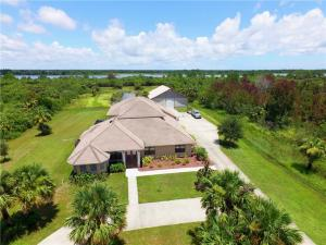 Single Family Home for Sale at 308 Pinto Lane 308 Pinto Lane Palm Bay, Florida 32909 United States