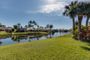Additional photo for property listing at 126 Pegasus Drive 126 Pegasus Drive Jupiter, Florida 33477 United States