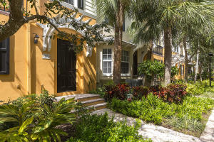 Townhouse for Sale at 329 W Mallory Circle 329 W Mallory Circle Delray Beach, Florida 33483 United States