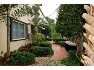 Additional photo for property listing at 27 NE 23rd Avenue 27 NE 23rd Avenue Pompano Beach, Florida 33062 Estados Unidos