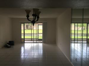 Additional photo for property listing at 135 Lake Nancy Lane 135 Lake Nancy Lane West Palm Beach, Florida 33411 Vereinigte Staaten