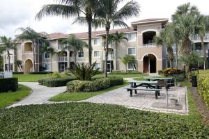Additional photo for property listing at 6394 Emerald Dunes Drive 6394 Emerald Dunes Drive West Palm Beach, Florida 33411 Estados Unidos