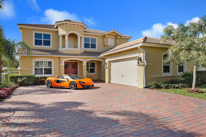 8946 Cypress Grove Lane Royal Palm Beach, FL 33411