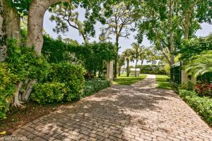 House for Sale at 19456 Pine Tree Drive 19456 Pine Tree Drive Tequesta, Florida 33469 United States