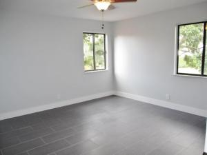 Additional photo for property listing at 2375 SW 22nd Avenue 2375 SW 22nd Avenue 德尔雷比奇海滩, 佛罗里达州 33445 美国