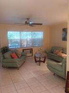 شقة بعمارة للـ Rent في Century Village, 348 Windsor O 348 Windsor O West Palm Beach, Florida 33417 United States