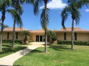 Additional photo for property listing at 500 Village Green Circle 500 Village Green Circle Palm Springs, Florida 33461 États-Unis