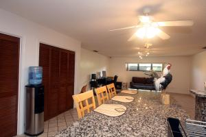 Additional photo for property listing at 697 Whippoorwill Row 697 Whippoorwill Row West Palm Beach, Florida 33411 Estados Unidos