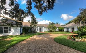 Casa Unifamiliar por un Venta en 39 Country Road 39 Country Road Village Of Golf, Florida 33436 Estados Unidos
