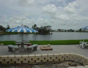 Additional photo for property listing at 22 Coventry 22 Coventry West Palm Beach, Florida 33417 Estados Unidos