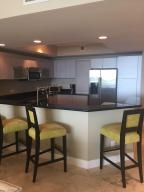 Additional photo for property listing at 2640 Lake Shore Drive 2640 Lake Shore Drive Riviera Beach, Florida 33404 Estados Unidos