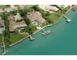 Maison unifamiliale pour l Vente à Jupiter Inlet Beach Colony, 89 Lighthouse Drive Jupiter Inlet Colony, Florida 33469 États-Unis