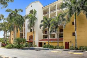 22701  Camino Del Mar #22 Boca Raton, FL 33433