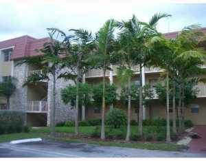 Condominium for Rent at 120 Sparrow Drive 120 Sparrow Drive Royal Palm Beach, Florida 33411 United States