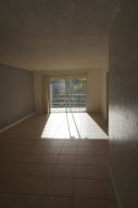 Additional photo for property listing at 120 Sparrow Drive 120 Sparrow Drive Royal Palm Beach, Florida 33411 United States