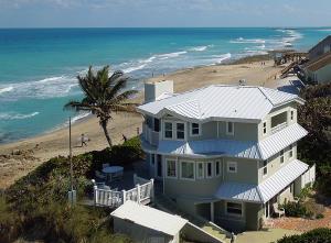 Casa Unifamiliar por un Alquiler en 1145 SE Macarthur Boulevard Stuart, Florida 34996 Estados Unidos