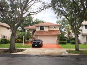 Casa para uma família para Locação às 11095 Bismarck Place Cooper City, Florida 33026 Estados Unidos