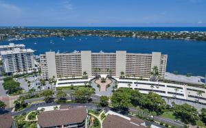 Condominium for Sale at 132 Lakeshore Drive North Palm Beach, Florida 33408 United States