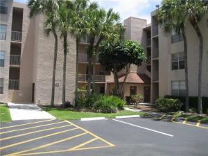 共管式独立产权公寓 为 出租 在 9470 Live Oak Place 戴维, 佛罗里达州 33324 美国