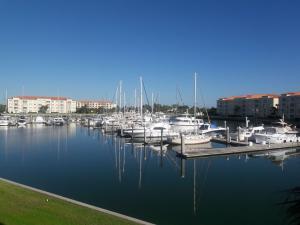 Appartement en copropriété pour l à louer à 16 Harbour Isle Drive Hutchinson Island, Florida 34949 États-Unis