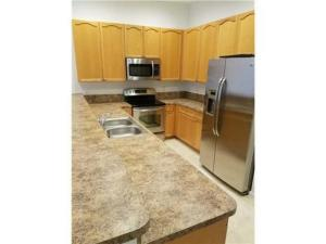 Additional photo for property listing at 2512 NW 4th Street 2512 NW 4th Street Boynton Beach, Florida 33426 États-Unis