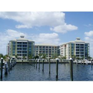 共管式独立产权公寓 为 出租 在 806 E Windward Way 806 E Windward Way Lantana, 佛罗里达州 33462 美国