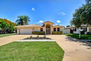 Einfamilienhaus für Verkauf beim 1300 SW 20th Street Boca Raton, Florida 33486 Vereinigte Staaten