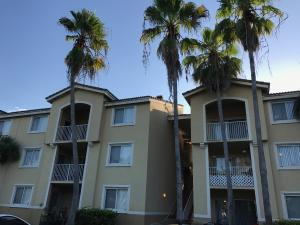 Condominium for Rent at ROYAL GRAND, 2600 S University Drive 2600 S University Drive Davie, Florida 33328 United States
