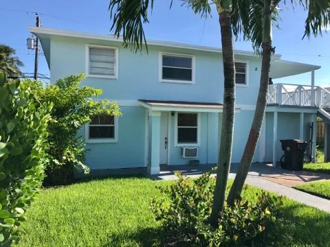 812 W Lakewood Road West Palm Beach, FL 33405 photo 1