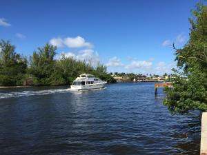 Single Family Home for Rent at direct intracoastal, 525 NE 19th Avenue Deerfield Beach, Florida 33441 United States