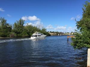 Casa Unifamiliar por un Alquiler en direct intracoastal, 525 NE 19th Avenue 525 NE 19th Avenue Deerfield Beach, Florida 33441 Estados Unidos