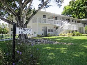 Condomínio para Locação às CENTURY VILLAGE, 233 Farnham J 233 Farnham J Deerfield Beach, Florida 33442 Estados Unidos