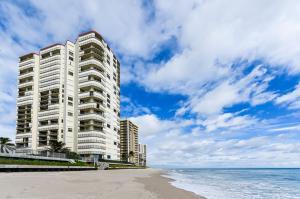 Eigentumswohnung für Mieten beim 5420 N Ocean Drive 5420 N Ocean Drive Singer Island, Florida 33404 Vereinigte Staaten