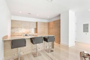 Additional photo for property listing at 1300 S Miami Avenue 1300 S Miami Avenue Miami, Florida 33130 Estados Unidos