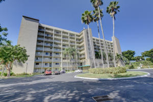 Property for sale at 2205 S Cypress Bend Drive Unit: 801, Pompano Beach,  FL 33069