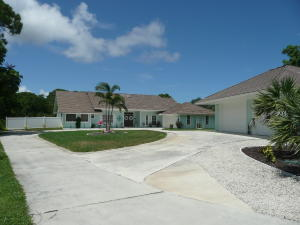 Single Family Home for Sale at 815 NE Stokes Terrace 815 NE Stokes Terrace Jensen Beach, Florida 34957 United States