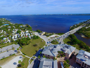 Additional photo for property listing at 3744 NE Indian River Drive 3744 NE Indian River Drive Jensen Beach, Florida 34957 Vereinigte Staaten