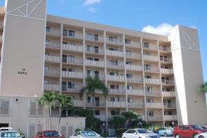 Condominium for Rent at 6866 Huntington Lane 6866 Huntington Lane Delray Beach, Florida 33446 United States
