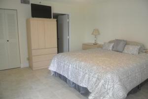 Additional photo for property listing at 6866 Huntington Lane 6866 Huntington Lane Delray Beach, Florida 33446 Estados Unidos