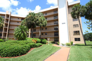 Condominium for Rent at LUCERNE POINTE, 4640 Lucerne Lakes Boulevard 4640 Lucerne Lakes Boulevard Lake Worth, Florida 33467 United States