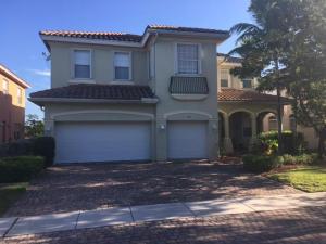 Maison unifamiliale pour l à louer à 628 Cresta Circle 628 Cresta Circle West Palm Beach, Florida 33413 États-Unis
