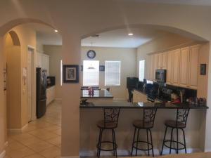 Additional photo for property listing at 628 Cresta Circle 628 Cresta Circle West Palm Beach, Florida 33413 États-Unis