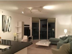 Additional photo for property listing at 335 S Biscayne Boulevard 335 S Biscayne Boulevard Miami, Florida 33131 United States