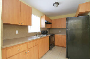 Additional photo for property listing at 528 NW 20 Avenue 528 NW 20 Avenue Fort Lauderdale, Florida 33311 Estados Unidos