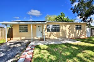 Single Family Home for Rent at 4431 NW 59 Court 4431 NW 59 Court North Lauderdale, Florida 33319 United States