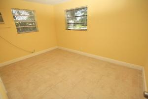 Additional photo for property listing at 4431 NW 59 Court 4431 NW 59 Court North Lauderdale, Florida 33319 United States
