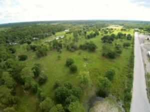Additional photo for property listing at 2761 E Road 2761 E Road Loxahatchee, Florida 33470 Vereinigte Staaten